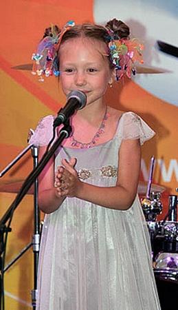 Больше всех из-за окончания съемок переживала самая маленькая актриса - Катя Старшова.