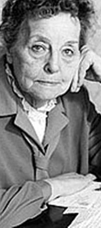 Зоя Рыбкина, завершив карьеру разведчицы, стала известной писательницей Воскресенской.