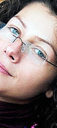 Ольга Тимошик, по словам ее друзей, несколько лет работала журналисткой за границей.