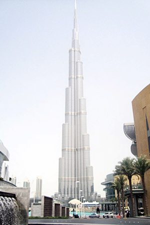 828-метровую «Башню Халифы» видно с любой точки Дубая.