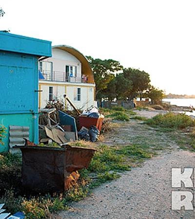Это все тоже территория лагеря. Фото: Юлии ЮСУПОВОЙ.