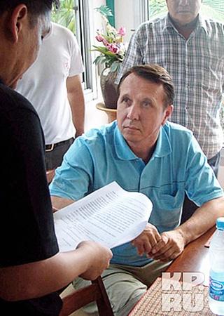 Суд Таиланда на днях предъявил Михаилу Плетневу обвинение в изнасиловании 14-летнего подростка. Однако всемирно известный дирижер отвергает обвинения.