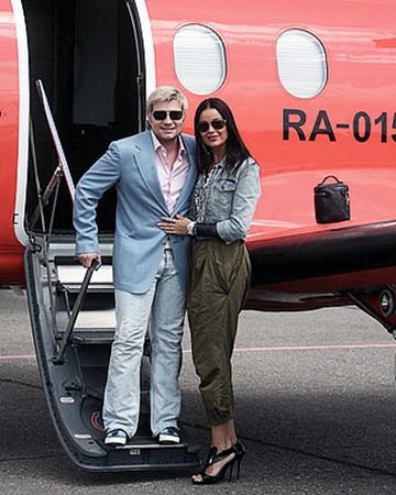Пара прилетела в Витебск на один день на частном самолете, который целый день ждал их в аэропорту.