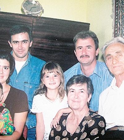 Александр Попов с младшим братом Сергеем и его семьей, дочерью Ольгой и родителями.