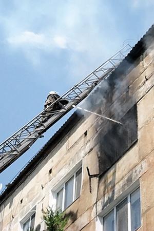 Пожар тушили почти два часа.