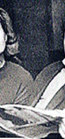 Борис Заходер с женой Галиной так полюбили своего Пуха, что в его день рождения каждый год у себя на даче угощали соседей медом и малиной.