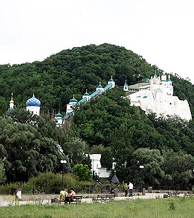 Еще Чехов был пленен местными красотами.