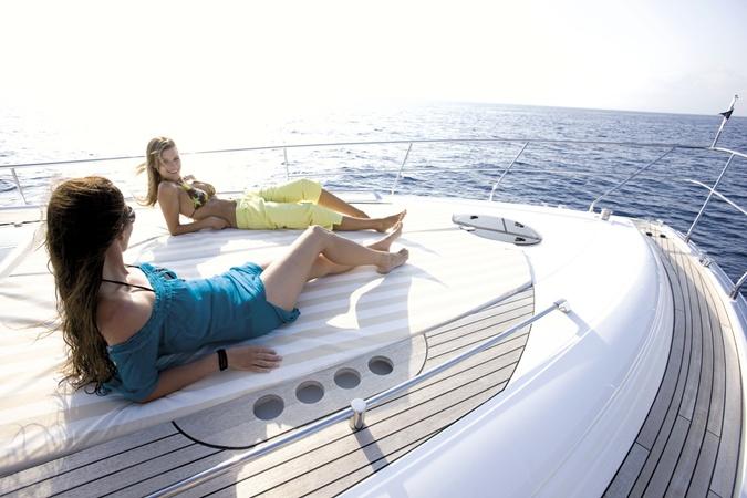 Кто кого украшает: мы - яхту или яхта - нас?