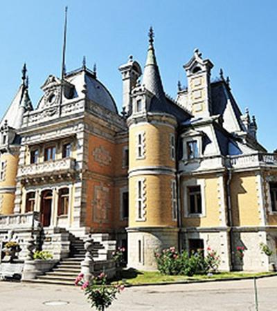 Сталину дворец Александра III казался чересчур роскошным...
