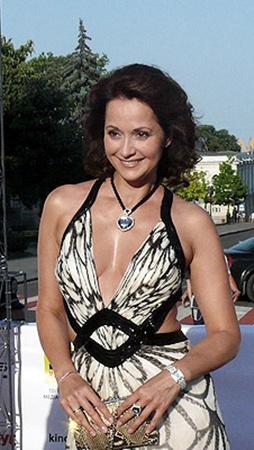 Ольга Кабо продемонстрировала народу отличную форму.