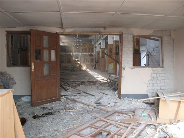 Фото храма изнутри после взрыва.