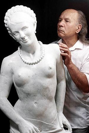 Скульптор Шматько и его мраморная Тимошенко.