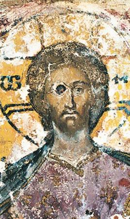 Такой увидели под слоем штукатурки древнюю икону Спасителя на Спасской башне Кремля.