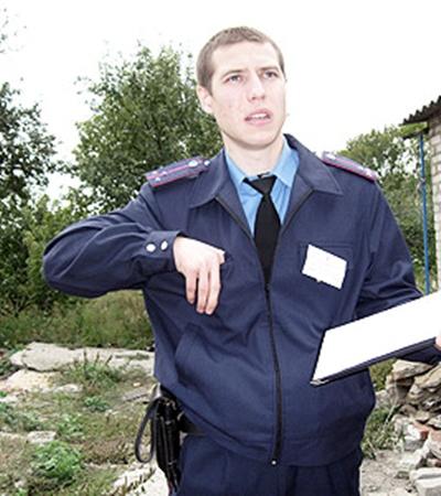 По словам коллег и друзей, Александр был принципиальным и честным милиционером. За что и поплатился жизнью.