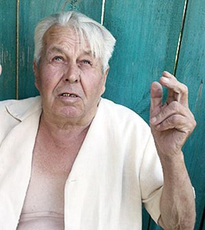 Экс-агроном Владимир Максимец говорит, что в селе обманывают и простых людей.