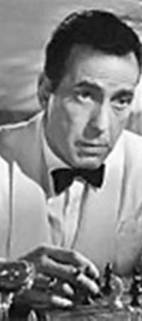 Фильм «Касабланка» не был бы таким прекрасным без коктейлей, черной икры, фортепиано и влюбленного Хэмфри Богарта.