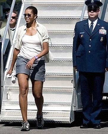 На курорт первая леди США отправилась в сопровождении 40 друзей и 70 сотрудников охраны Белого дома.