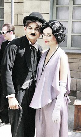 Пародию на Чарли Чаплина Александр Олешко считает одной из самых удачных работ. Его «возлюбленная» - Нонна Гришаева.