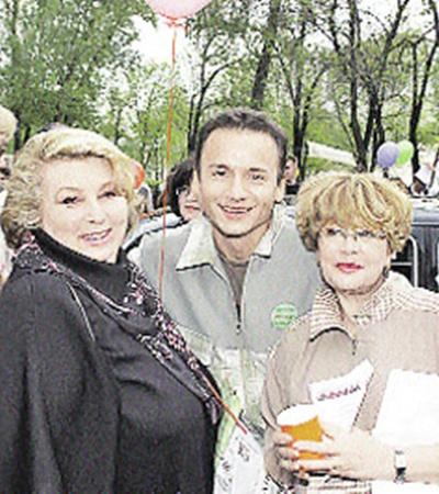 Татьяна Тарасова и Марина Неелова пародий Александра Олешко не боятся.