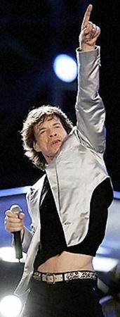 67-летний Джаггер прыгает по сцене, как юноша. А весь секрет - в умении быть расслабленным!