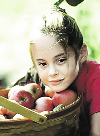Иммунитет ребенка перед школой надо подпитать натуральными витаминами.