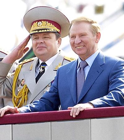 Его принимал президент Кучма.