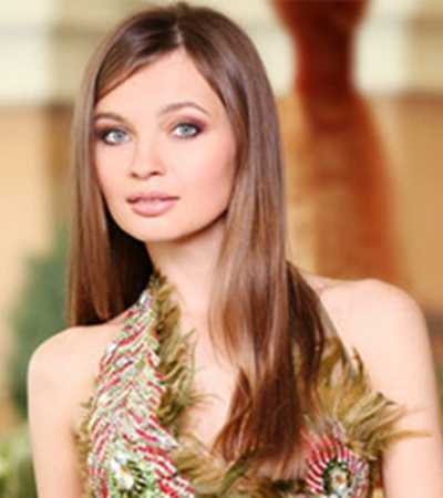 Третьей вице-мисс стала украинка Анна Пославская.