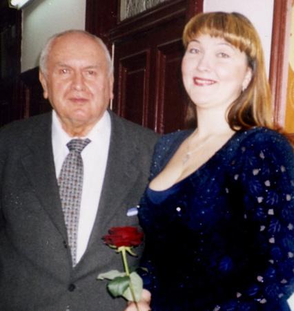 Муж польской певицы Збигнев Тухольский уверяет, что, когда Владислава поет, он ощущает ауру покойной супруги
