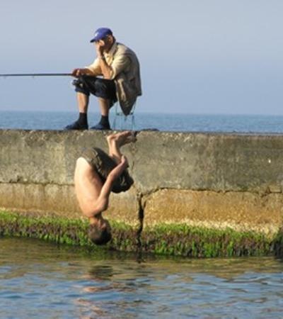 - Что-то рыба не клюет... может