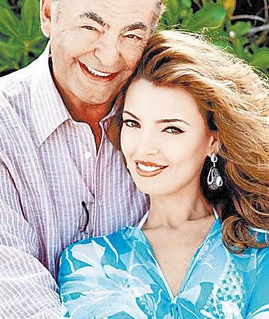 Александра и ее супруг Фил уже пять месяцев счастливые родители.