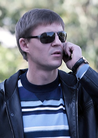 Машину угнали, когда Максим Шацких уехал из Украины в Казахстан.
