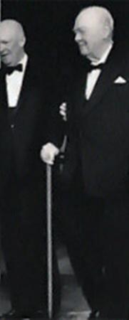 Черчилль (справа) и Эйзенхауэр: интересно, а Сталину они рассказали про «летающую тарелку»?