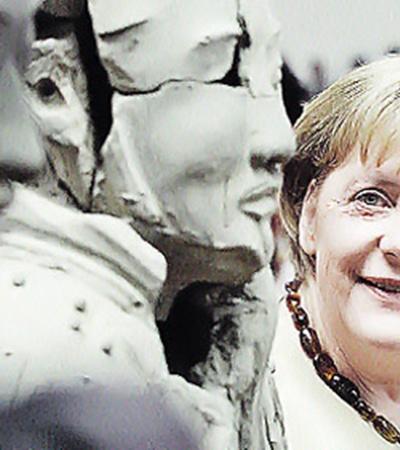 На свой нынешний день рождения Ангела Меркель «проинспектировала» китайскую Терракотовую армию.