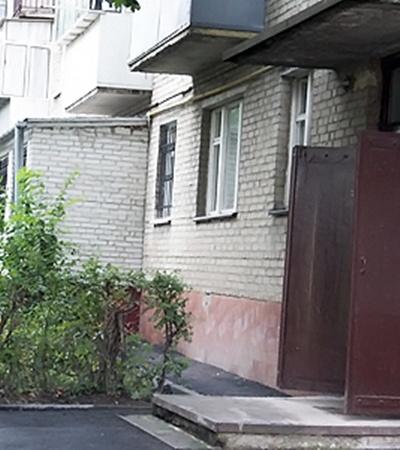 Тот самый дом, в подвале которого милиция поджидала Михаила.