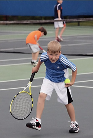 Теннис - это красиво и модно, но не всем этот спорт покарману.