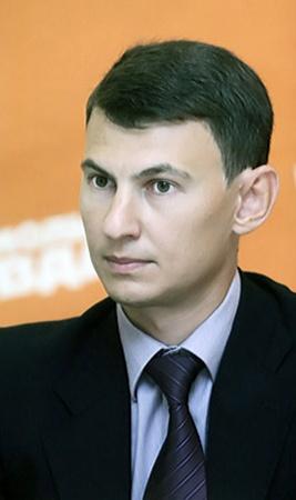 Начальник управления альтернативных каналов продаж АО «Астра Банк» Виталий Жихарцев.