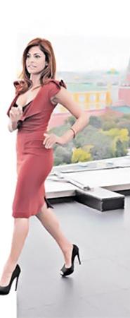 Ева Мендес прогулялась по Москве - и пришла в экстаз от красот российской столицы.