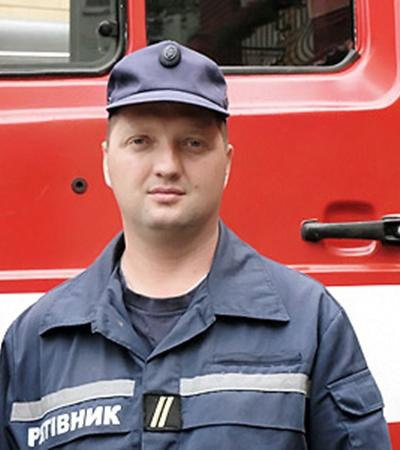 Николай Киселев с товарищами спас из горящего дома 28 человек.
