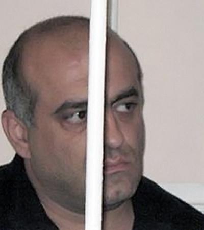 «Злой шашлычник» Роберт Назарян (за решеткой на скамье подсудимых) считается в этом деле главным подозреваемым.