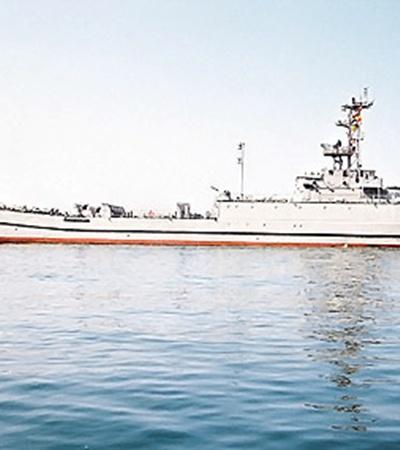 По одной из версий, в «Кировоград» попала ракета, выпущенная с другого корабля.