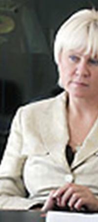 Заместитель министра Светлана Толстоухова убеждена: женщин надо вооружить - по крайней мере информацией.