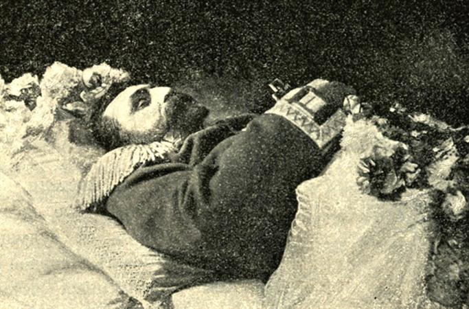 Лешко-Попель вылечил тысячи людей, а на свою болезнь не обратил внимания.