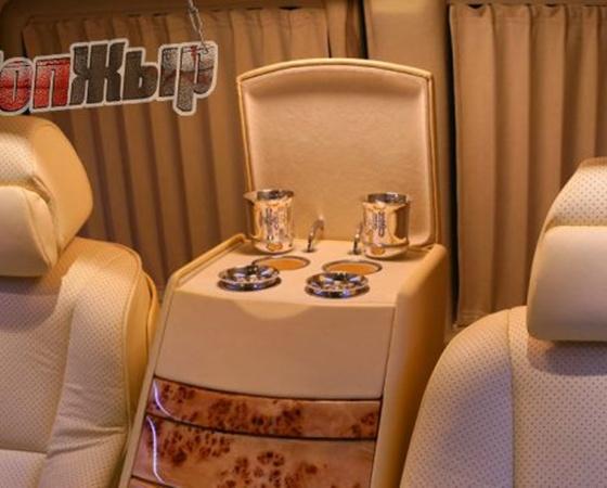 Так может выглядеть новая машина Януковича. Фото с сайта topgir.com.ua