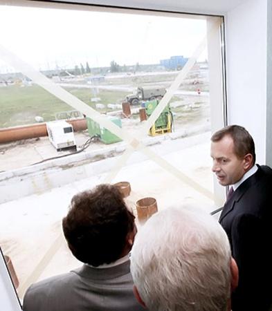 Андрей Клюев будет строго контролировать график строительства саркофага.