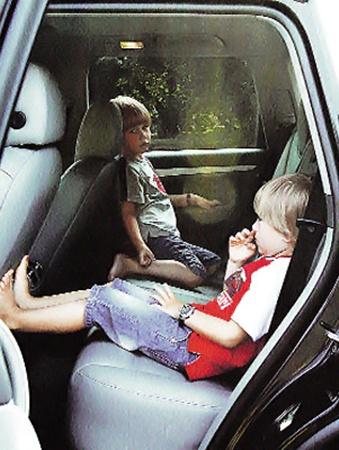 Фома и Фока - пятилетние близнецы дочки Маши - любят разговаривать с бабушкой по-взрослому.