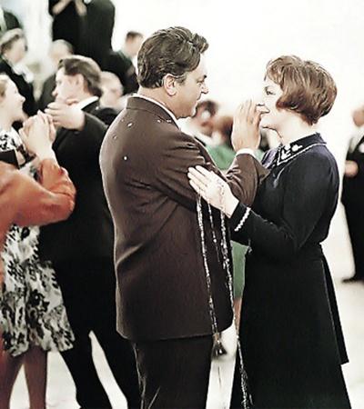 1974 год. Сергей Бондарчук с женой Ириной Скобцевой на съемках фильма «Выбор цели» (режиссер - Игорь Таланкин).