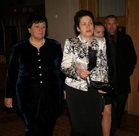 Людмила Янукович прибыла на открытие за 15 минут до начала. Фото с сайта ostro.org.