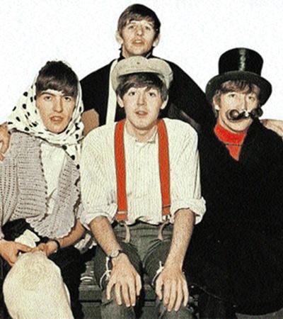 Леннон всегда был самым экстравагантным и загадочным участником группы (на фото справа).