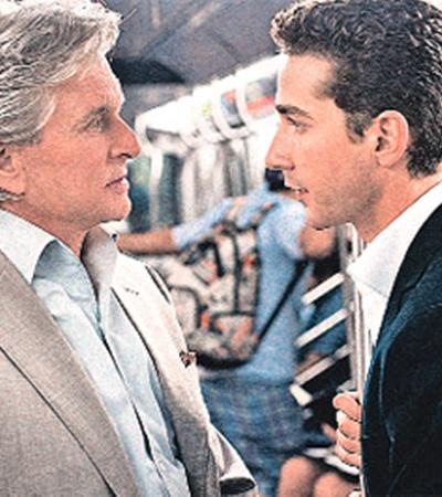 Постаревший Гордон Гекко (Майкл Дуглас - слева) встретился в новом «Уолл-стрит» с молодым бизнесменом новой формации: герой Шайи ЛаБефа отнюдь не так циничен, как его предшественники.