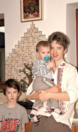 Сыновья Бориса и Жанны: 13-летний Витя,6-летний Максим и 19-летний Гена. Фото 2007 года.